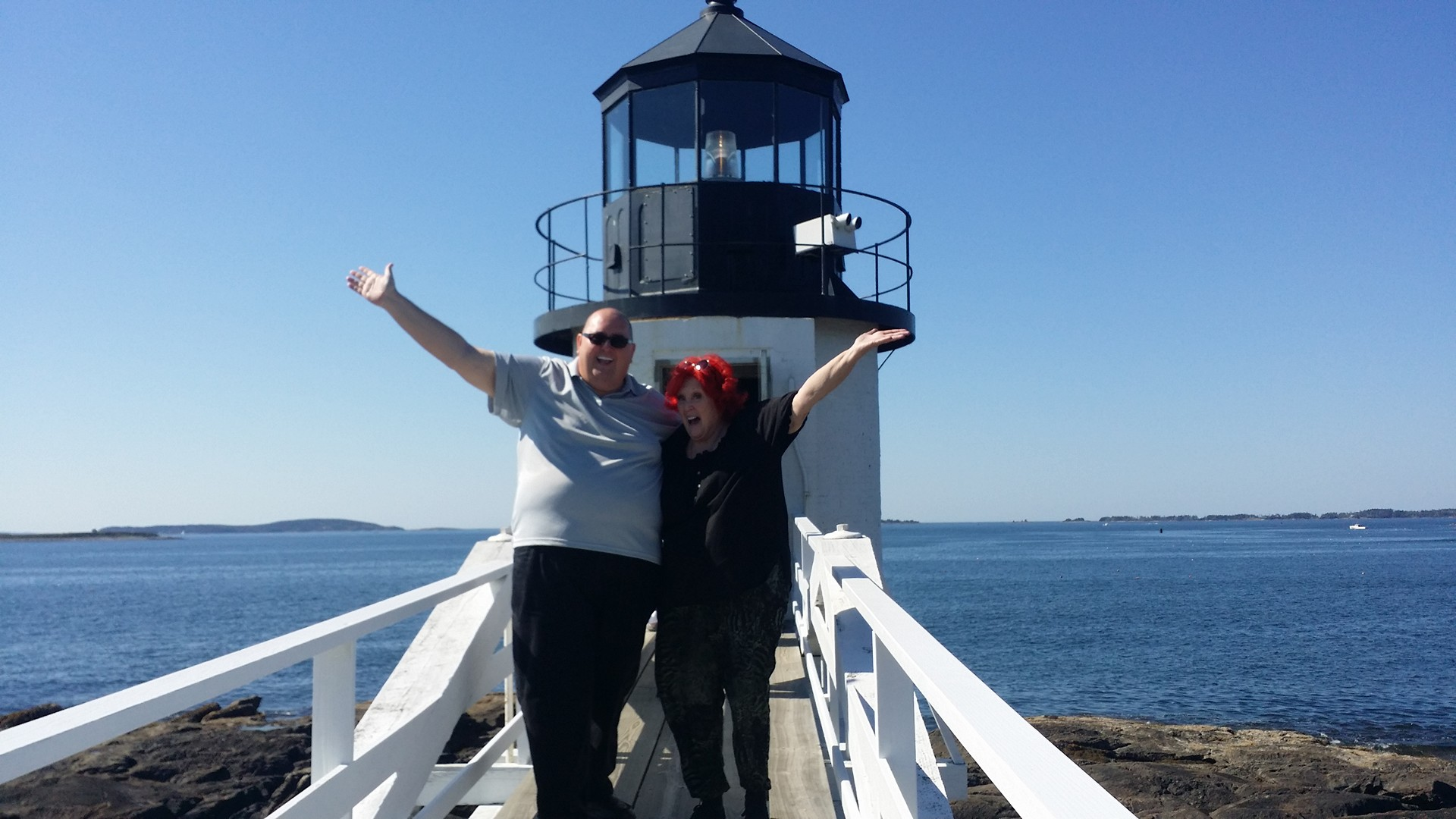 http://www.experienceofalifetimetours.com/wp-content/uploads/2015/09/TG-Lulu-Lighthouse1.jpg